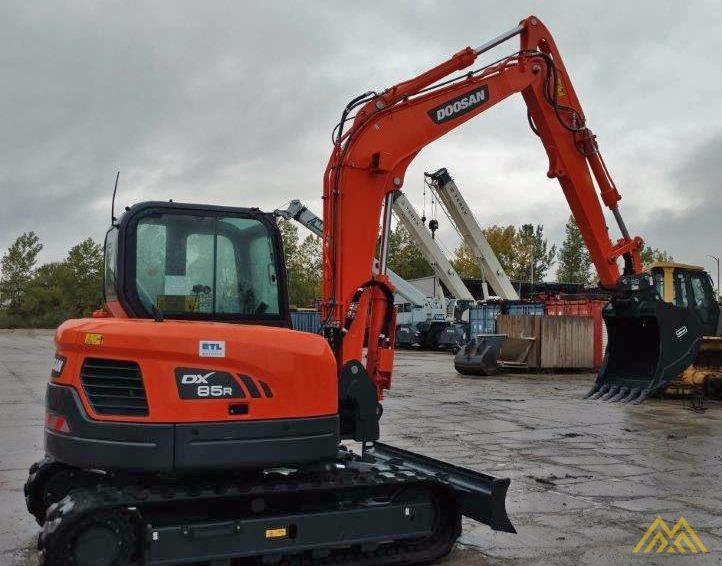 18,000 lb. Doosan DX85R-3 Hydraulic Excavator 1