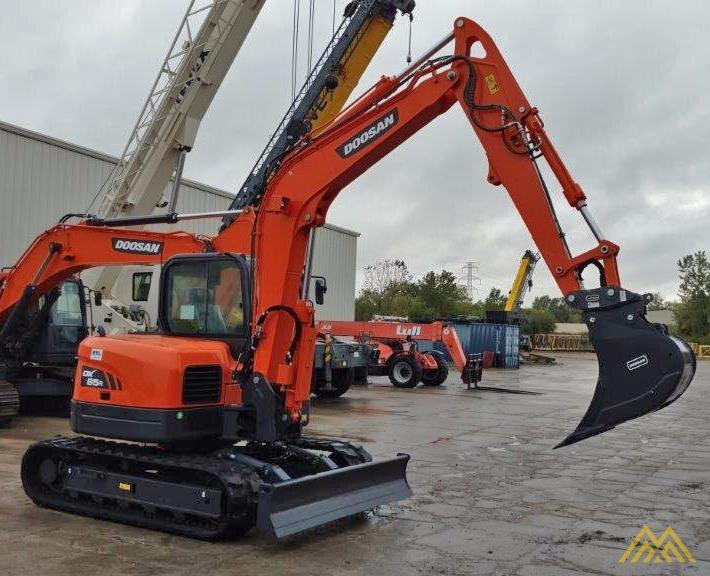 18,000 lb. Doosan DX85R-3 Hydraulic Excavator 4