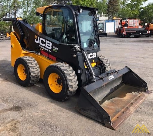 2,600 lb. JCB 260 Skid Steer 1