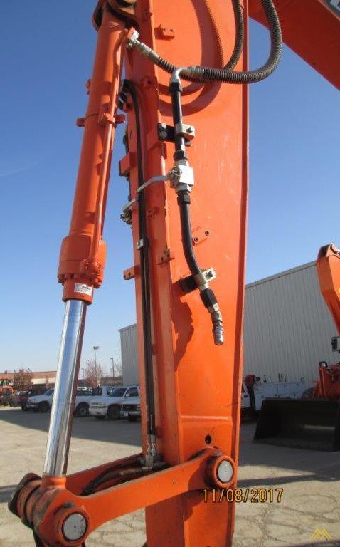 32,000 lb. Doosan DX140LCR-3 Hydraulic Excavator 7