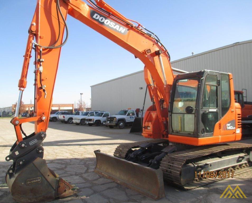 32,000 lb. Doosan DX140LCR-3 Hydraulic Excavator 5