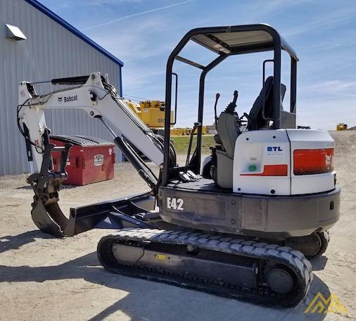 4,600 lb. Doosan E42 Mini Excavator 2