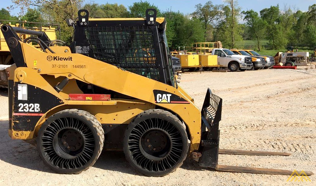 Cat Skid Steer Axle : Cat b skidsteer loader sold caterpillar skid