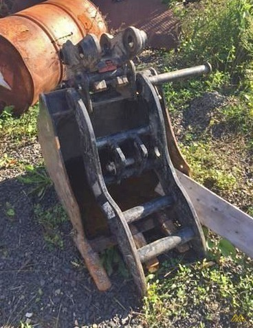 CAT 305.5E2 CR Mini Excavator 1