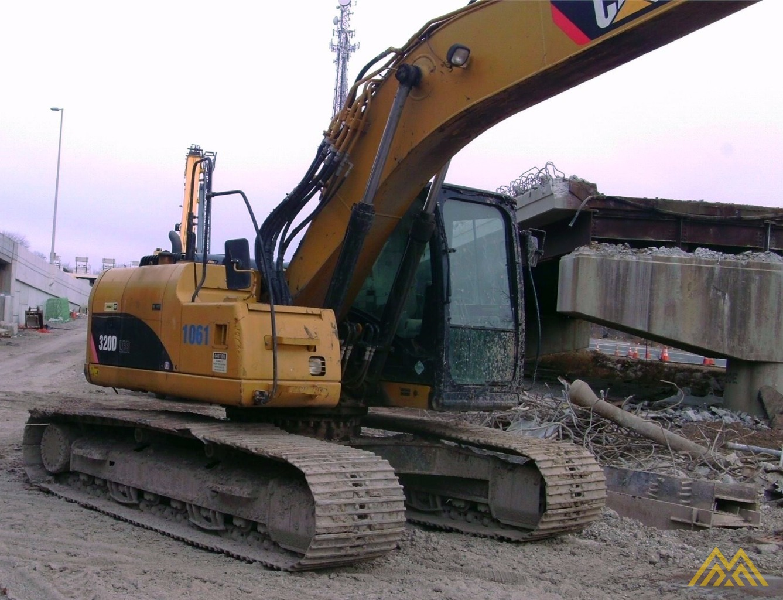 Caterpillar 320D LRR Excavator 0
