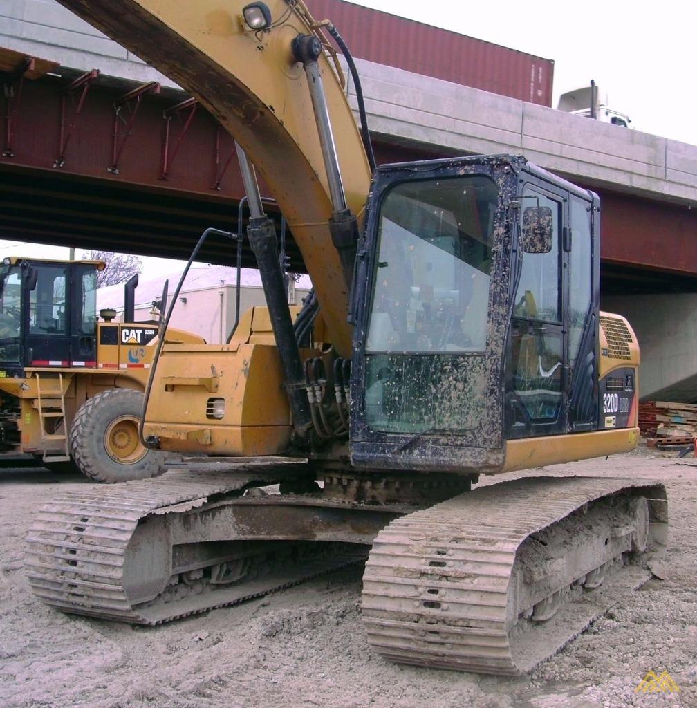 Caterpillar 320D LRR Excavator 1