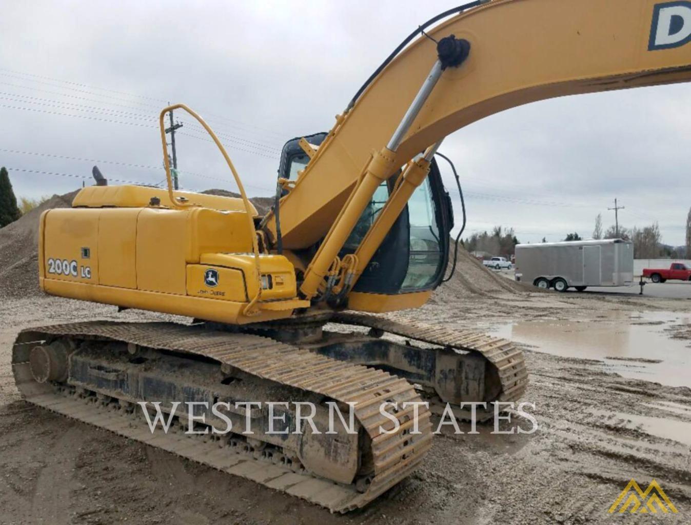 Deere 200C LC crawler excavator with 24