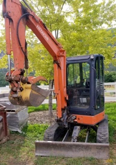 Hitachi ZX35U-2 Mini Crawler Excavator 2