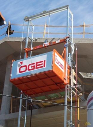 OGEI S-1000 2,200 lb. Material Hoist 0