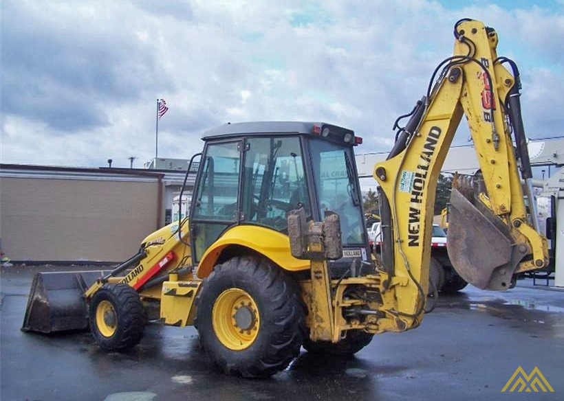 New Holland B95B Backhoe Loader 2
