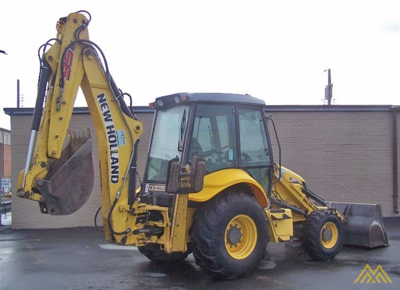 New Holland B95B Backhoe Loader 3