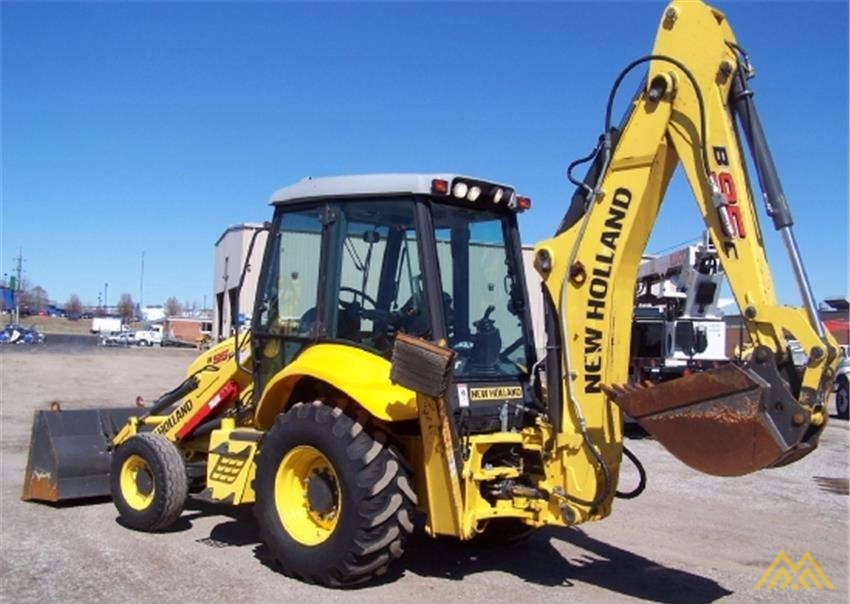 New Holland B95C Backhoe Loader 3