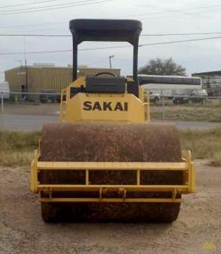 Sakai SV410D-2 Smooth Drum Roller 3