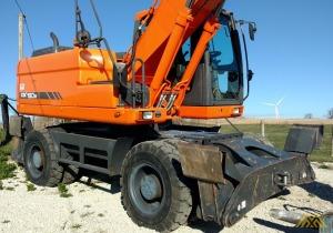 40,000 lb. Doosan DX190W Wheeled Excavator