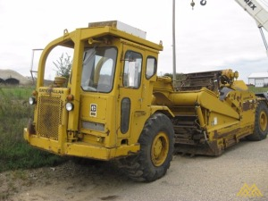 Caterpillar 613 Scraper