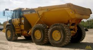 John Deere 410E Articulating Dump Truck
