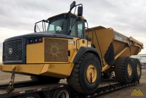 Deere 410E Articulating Dump Truck in Colorado