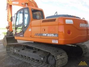 Doosan DX225LC Hydraulic Excavator