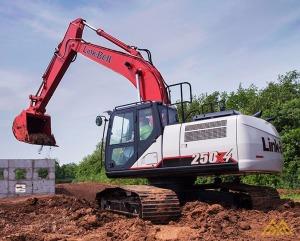Used 2015 Link-Belt Excavators (LBX) 250 X4