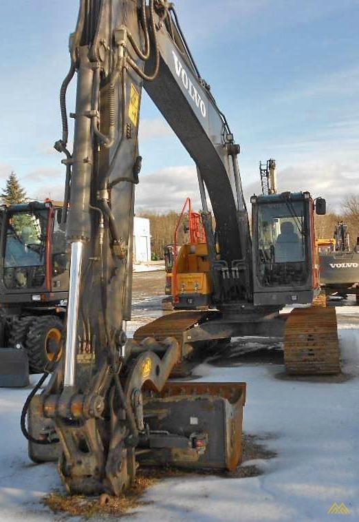 Volvo EC220EL Crawler Excavator 2