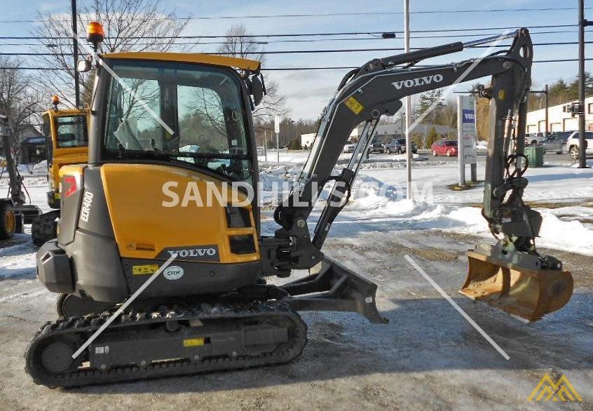 Volvo ECR40D Compact Excavator 2